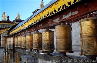 Yading & Yunnan Highlights Tour