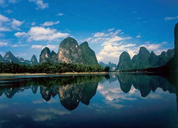 Cruising and Hiking Guilin Tour