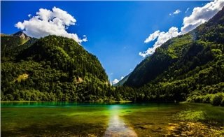 Amazing view at Jiuzhai Valley.